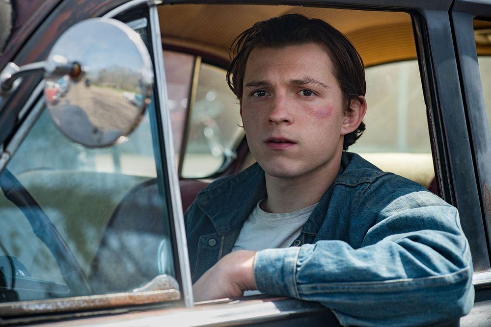 Netflix《神棄之地》評價/劇情/觀後感心得:全片抑鬱暗黑人性扭曲,被神遺棄的地方